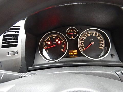 Clocked Vehicle Opel Zafira Img 03